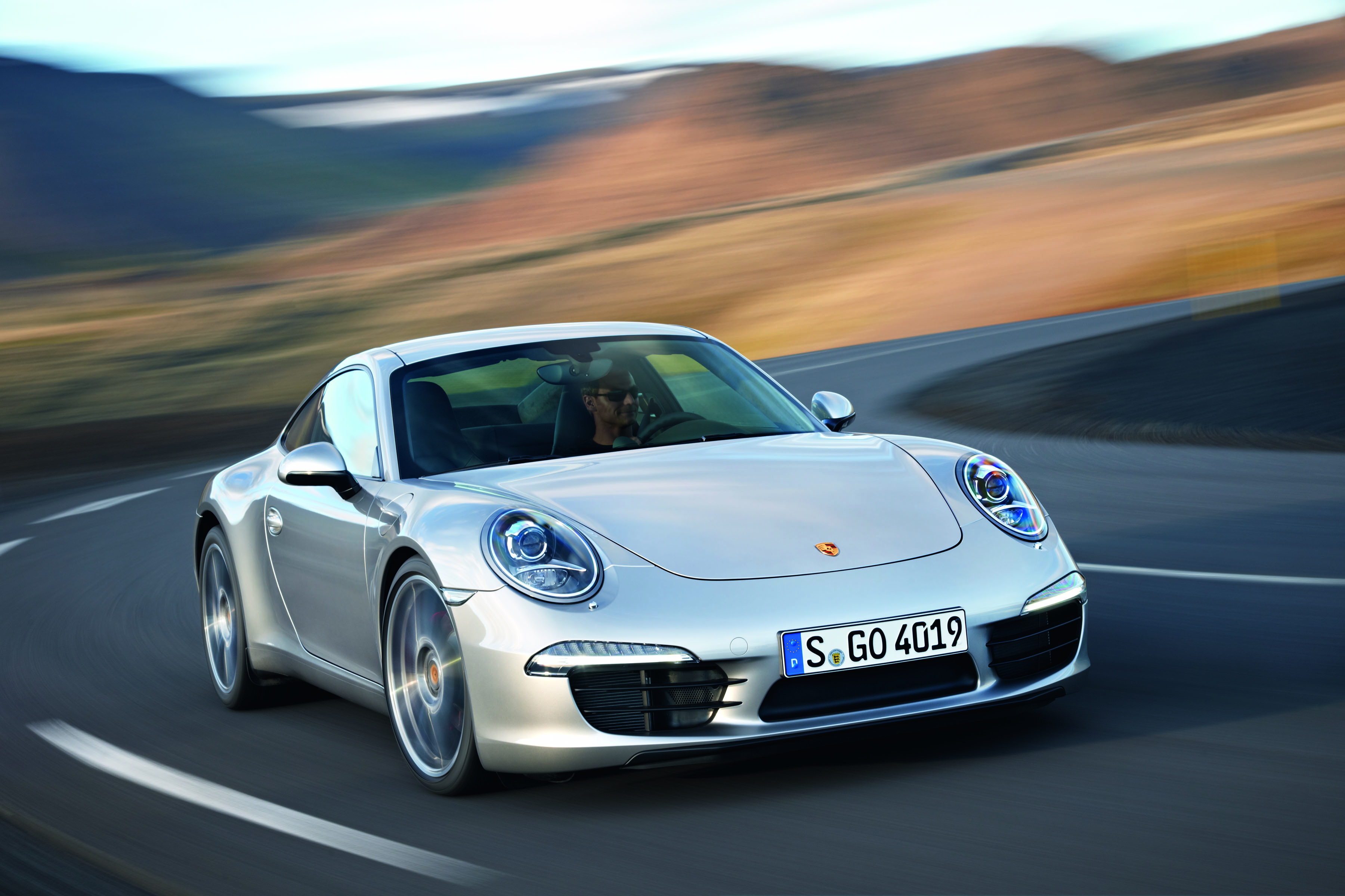 Porsche 911 Named 2012 World Performance Car