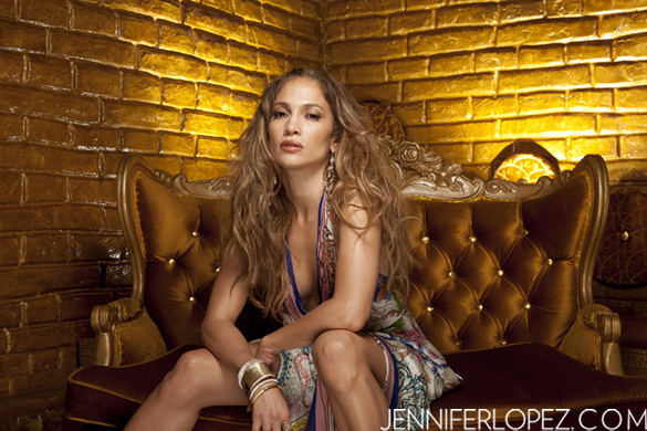 JENNIFERLOPEZ.com Launches As Ultimate Online Backstage Pass