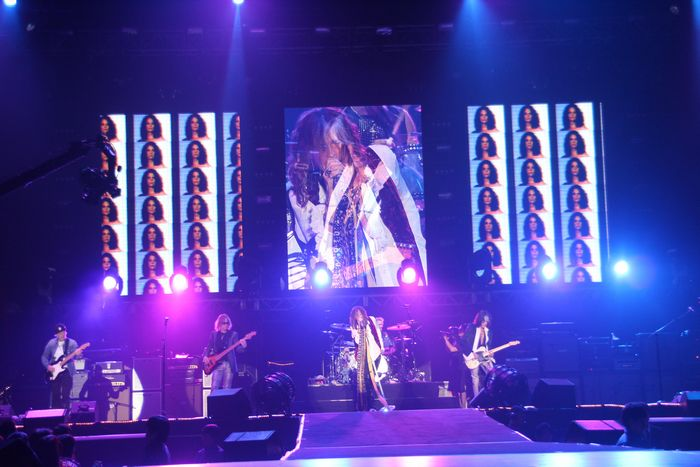 "Aerosmith Debut Brand New Single ""Legendary Child"" With Performance on American Idol"