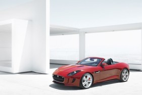 APPROVED FOR DNA Jag_F-TYPE_V8_house_image_1_260912