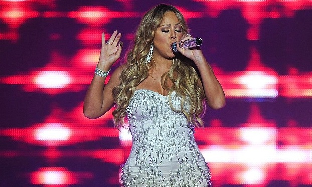 Powerhouse vocalist and pop diva MARIAH CAREY delights her aussie fans with her first Australian tour