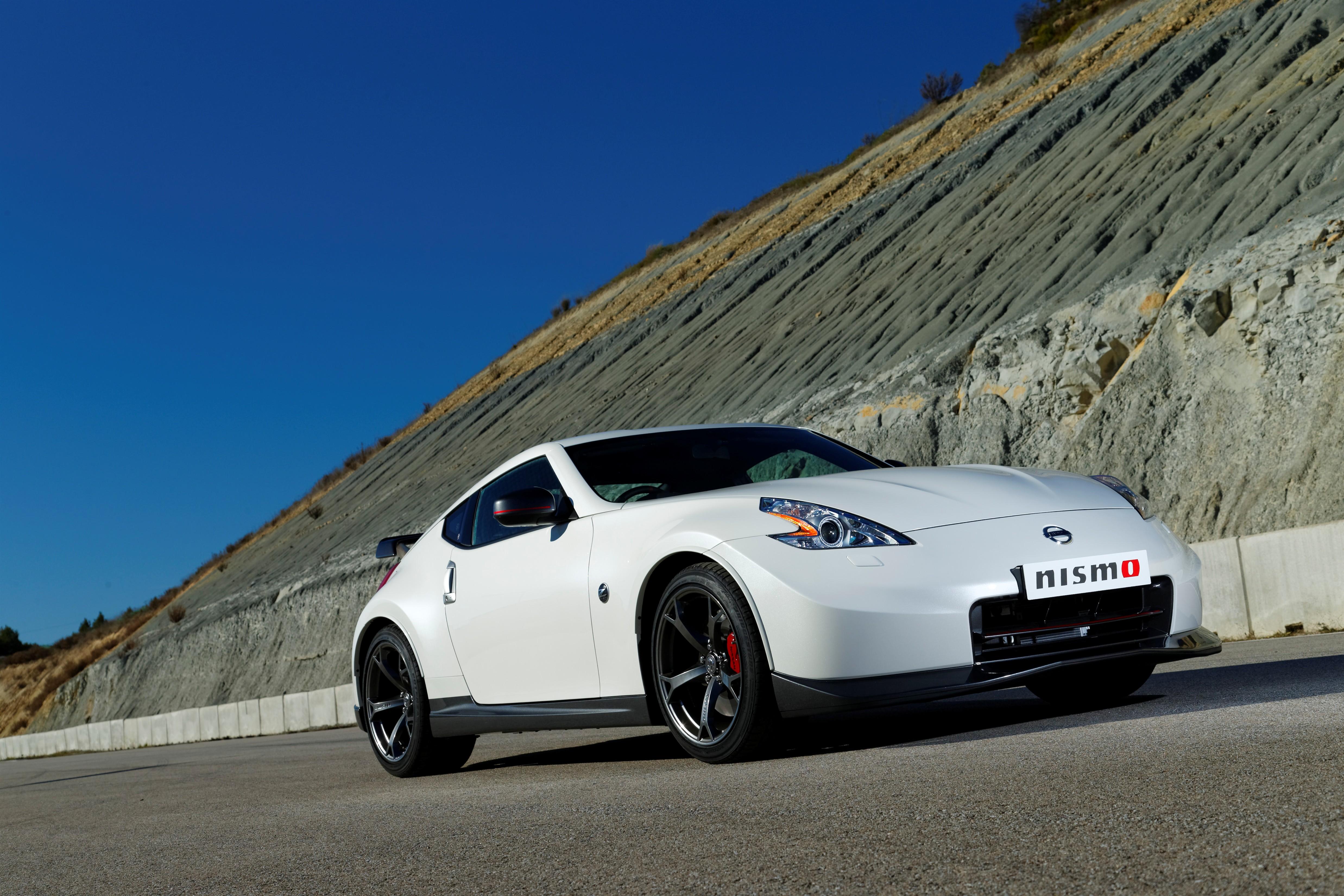 Bridgestone equips sporty new Nissan 370Z Nismo